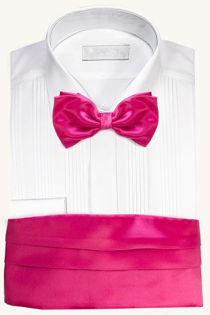 Camisa para esmoquin con fajín y corbata de lazo rosa
