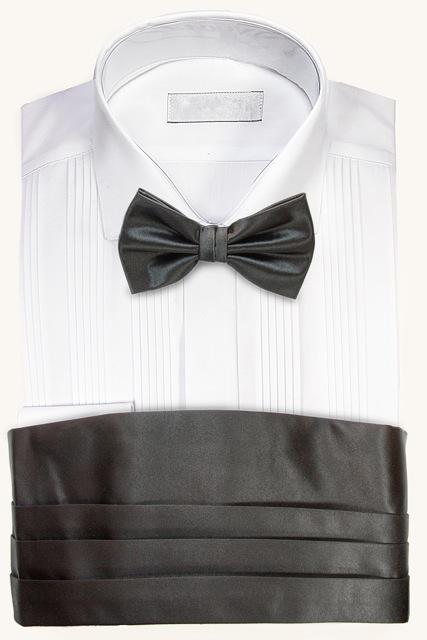 Camisa para esmoquin con fajín y corbata de lazo negra