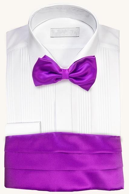 Camisa para esmoquin con fajín y corbata de lazo lila